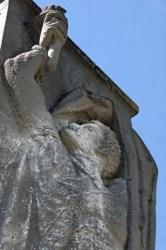 Bild: Das Denkmal für die Opfer des Faschismus in Wansleben am See wurde durch den Bildhauer Richard Horn aus Halle an der Saale nach dem Zweiten Weltkrieg gestaltet.
