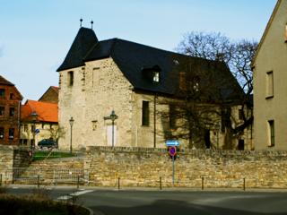 Bild: Die Kirche St. Margarethen zu Aschersleben. Blick auf die Südwestseite der Kirche.