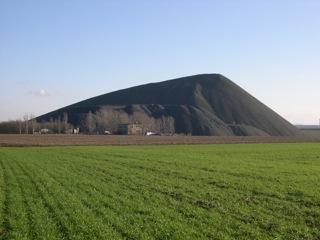 Bild: Der Paul-Schacht, zeitweise Otto-Brosowski-Schacht, bei Gerbstedt im Mansfelder Land.