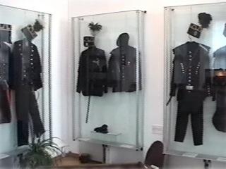 Bild: Die hier ausgestellten Bergmannsuniformen wurden von den Bergleuten nur an Feiertagen getragen.
