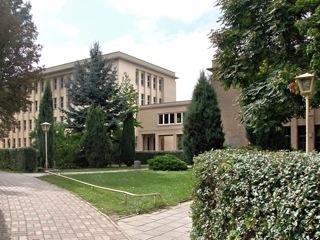 Bild: Die Ingenieurschule - die sogenannte Zweijahresschule - in der Querfurter Straße in Eisleben.