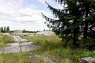 Bild: Das ehemalige Kasernengelände der NVA an der Waldstraße / Nordstraße in Halle an der Saale. Blick von der Waldstraße in Richtung Süden. Bild: © 2012 by Bert Ecke.
