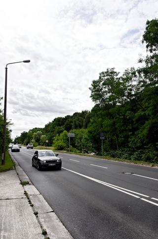 Bild: Die Kreuzung Nordstraße / Brandbergweg (K2127) zur Dölauer Str. in Halle an der Saale. Blick in Richtung Süden. Aus dieser Richtung kam der URAL der NVA. Bild: © 2012 by Bert Ecke.