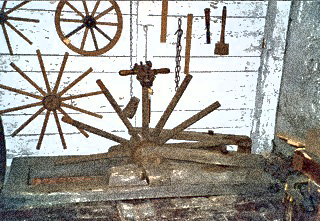 Bild: Handwerk war in historischer Zeit unentbehrlich - hier der Stellmacher. Render © 2012 by Birk Karsten Ecke.