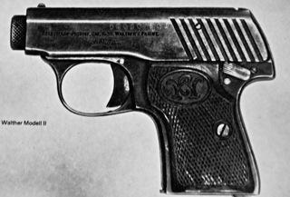 Bild: Pistole WALTHER MODELL II mit dem Kaliber 6,35. Die gezeigte Pistole ist nicht die Tatwaffe und soll nur die Größe einer solch kleinkalibrigen Pistole verdeutlichen.