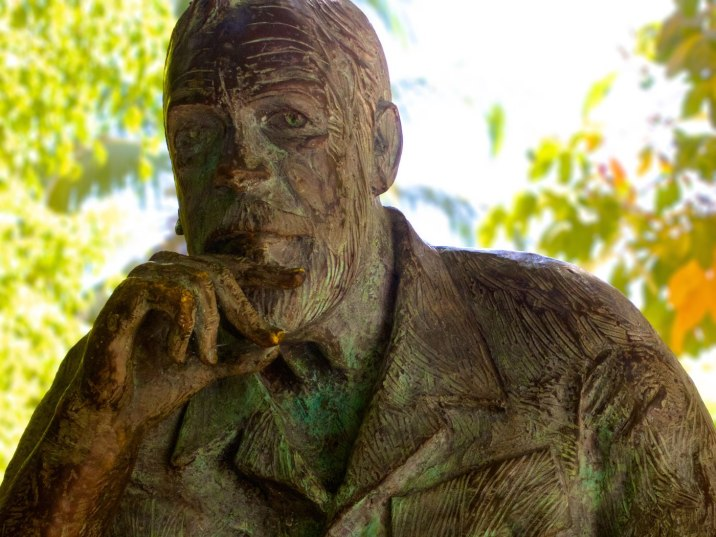 A statue of John Houston in remembrance of his unintentional contribution to the success of Puerto Vallarta as a tourist destination.