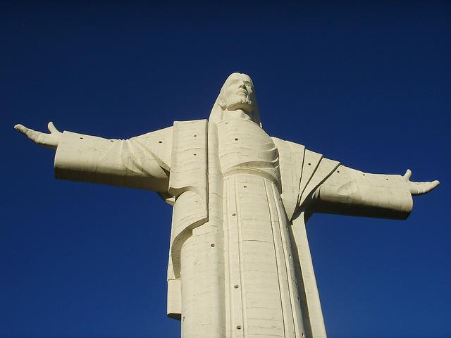cristo de la concordia - alternatives to great sights