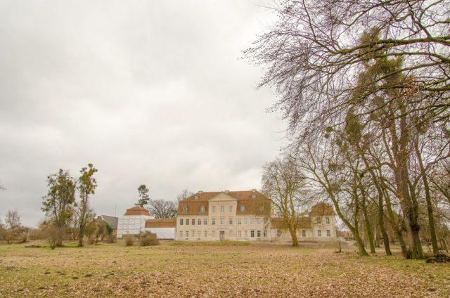 Kummerow Schloss hinten