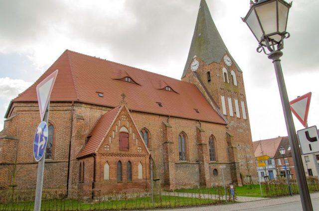 Neukalen Kirche
