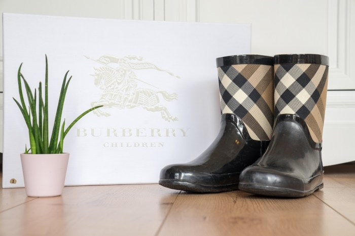 Burberry Gummistiefel Damen Kinder Test