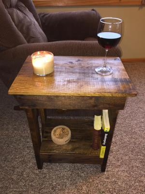 Pallet Side Table - Side Medium Walnut