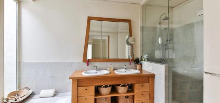 Elementy drewniane w łazience - zainspiruj się!