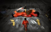 Kaneda e sua famosa moto modificada