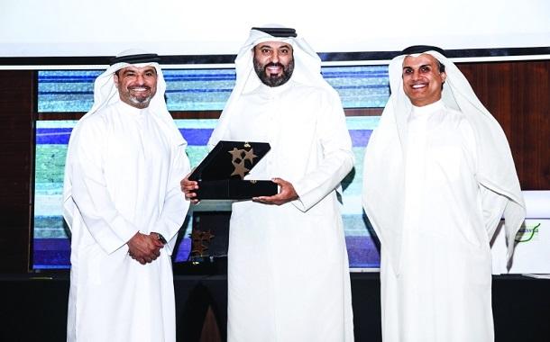 الإمارات ...... صندوق خليفة يوزع جوائز التميز الداخلي على الفائزين