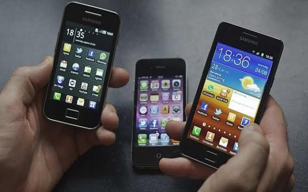 هل يجب أن تأخذ هاتفك النقال عند سفرك للخارج؟