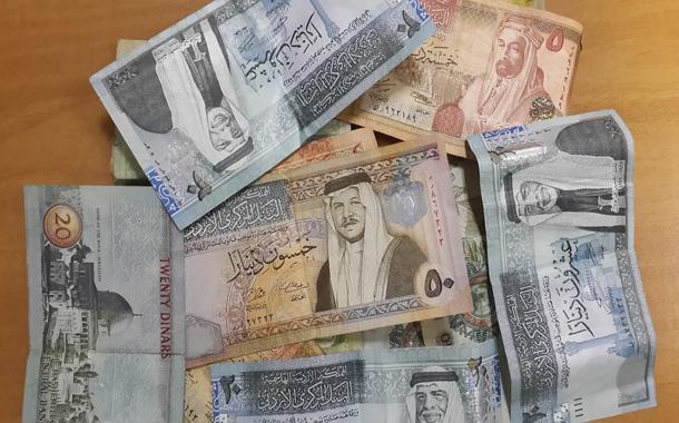 المغتربون الأردنيون يحولون 296 مليون دولار في شهر
