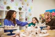 الملكة رانيا تطلع على برامج مركز الملكة رانيا للأسرة والطفل في جبل النصر