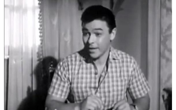 فنان مصري يقدم فكرة ''أوبر'' و ''كريم'' قبل 56 عاما - فيديو
