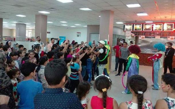 جامعة الشرق الأوسط تحتضن عدد من الأيتام في رمضان