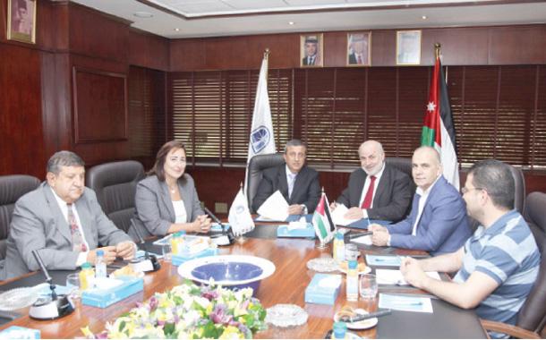 تعاون معلوماتي بين ''تجارة عمان'' و''الدراسات الاستراتيجية''