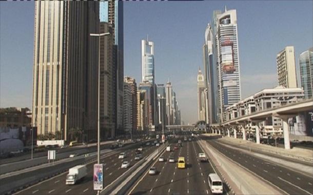 الإمارات تتوقع إصدار قوانين للضرائب بالربع الثالث