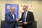 أورانج توقع إتفاقية تقديم خدمات إتصالات حصرية مع جامعة العلوم التطبيقية