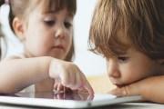 دراسة : لا تسلّوا أطفالكم بهواتفكم