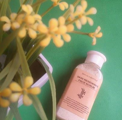 Spa In A Bottle: Skin Reneweing Face Scrub Review