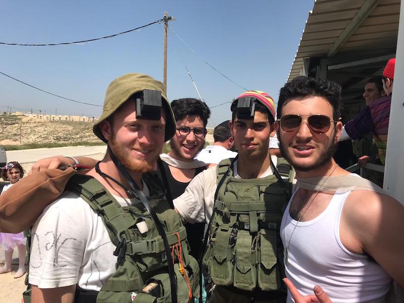 """Israel : Opération """"Spécial Pourim 5779"""" de 100% Lahayal dans les bases  militaires de Judée - hassidout.org"""