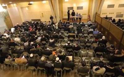 Pourim 5779 en chiffres au Beth Haya Mouchka : 38 lectures non-stop pour 3400 participants et 1800 Michloah Manot