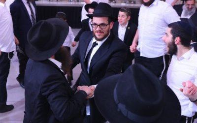 Mazal Tov ! Mariage de Levi Itshak Laloum (Paris) et Haya Mouchka Fintel (Kfar Habad) à Kfar Habad