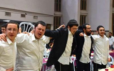 EN IMAGES. Farbrenguen de Youd Chevat 5780 à la Yechiva Tomhei Tmimim Loubavitch de Kfar 'Habad