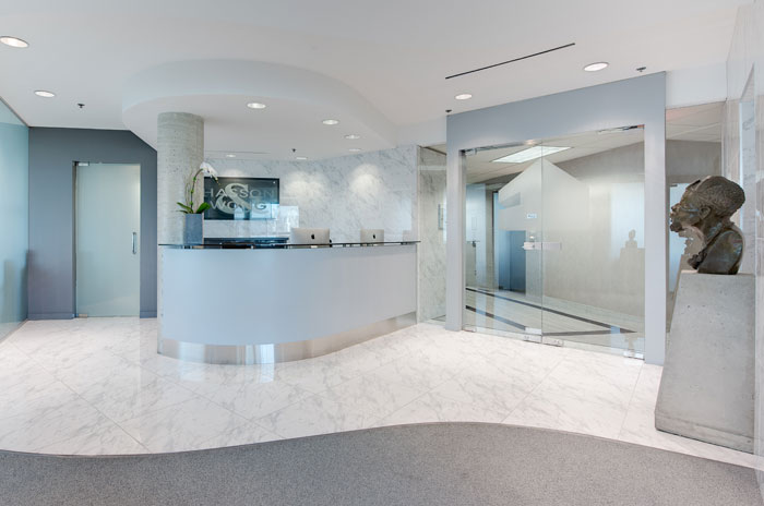 Hasson and Wong hair transplant clinic reception area