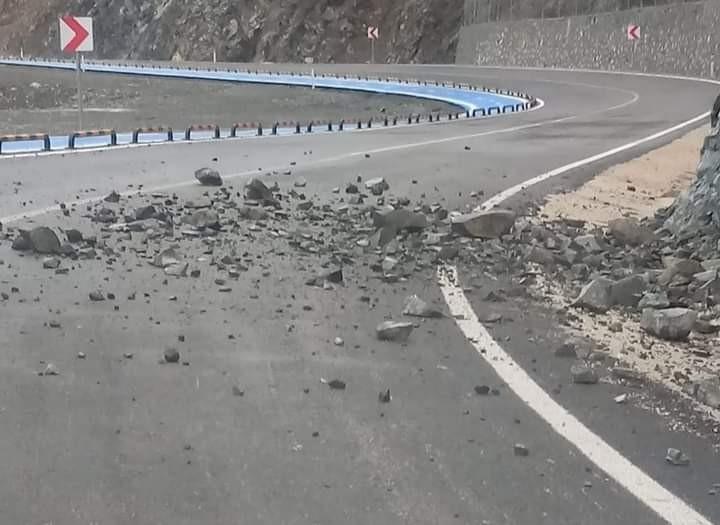 Hatay'da Samandağ-Arsuz yolu trafiğe kapatıldı