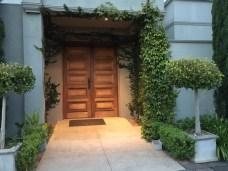 Olivigna side door
