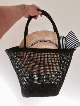 koszyk z kapeluszem