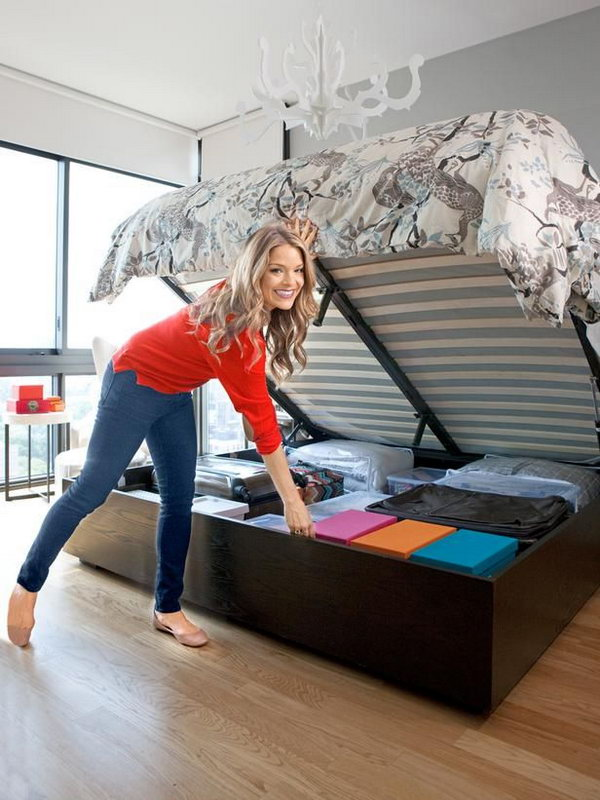 Secret Storage Under Hydraulic Bed Use A System To Lift Up The Mattress Easily