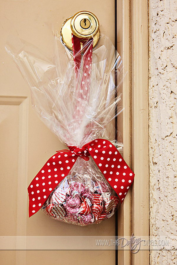 20 Easy And Sweet Neighbor Gifts For Christmas Hative