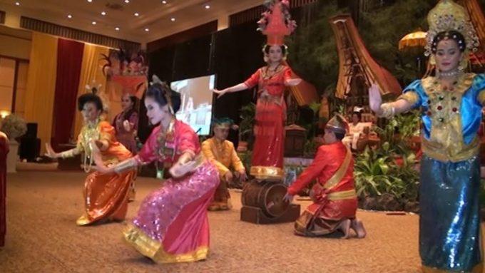 Tari Adat Sulawesi Selatan