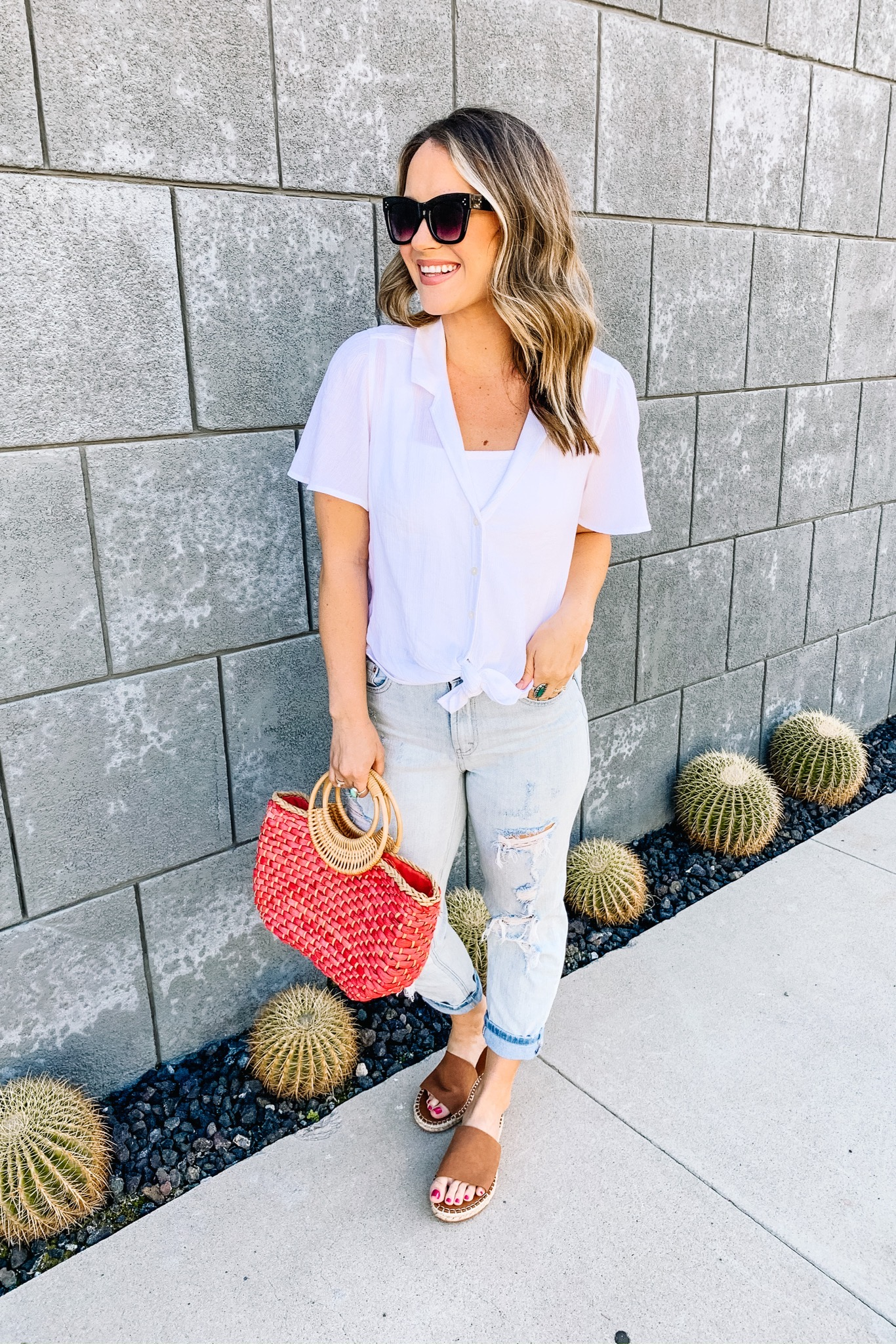 womens outfits, mom jeans, white button down, womens fashion, march's most popular, spring fashion