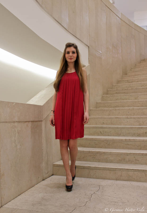 The woman in red (3/3)