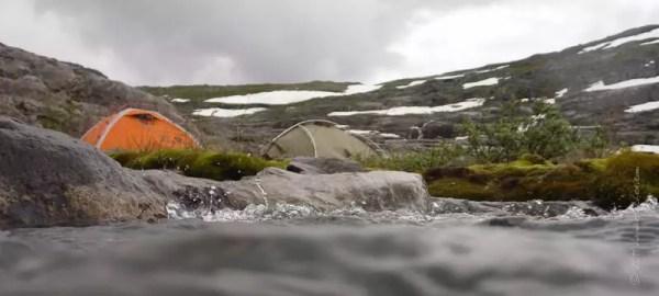 camp dans la nature sauvage