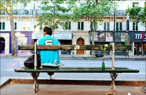 en attendant le bus du matin. Bd Beaumarchais, Paris 3e
