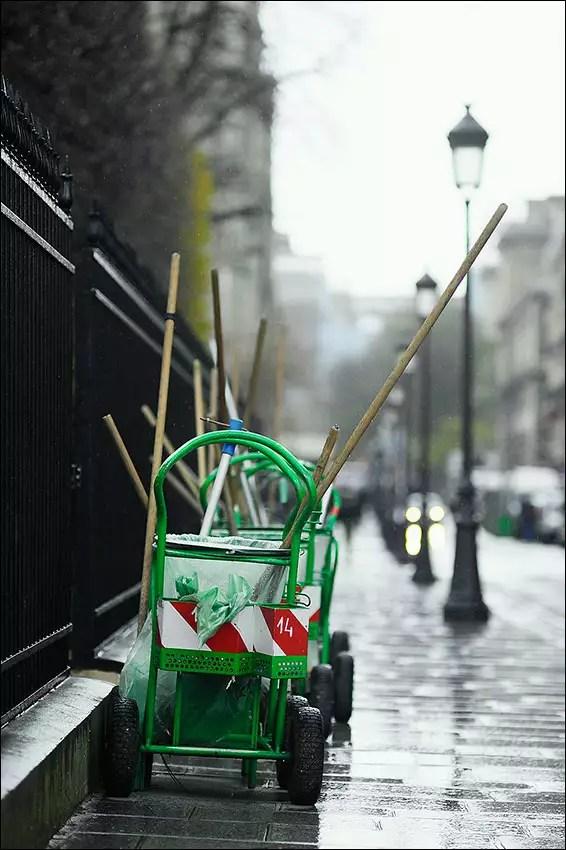 des charettes sur und point de rassemblement, Paris IV