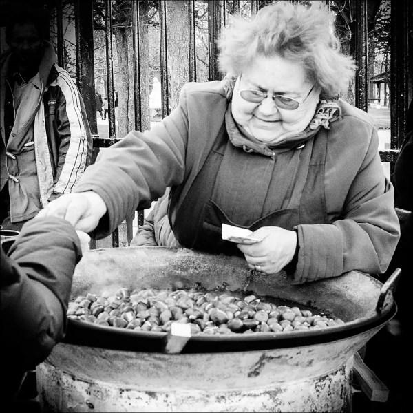 vendeuse des marrons, grille est