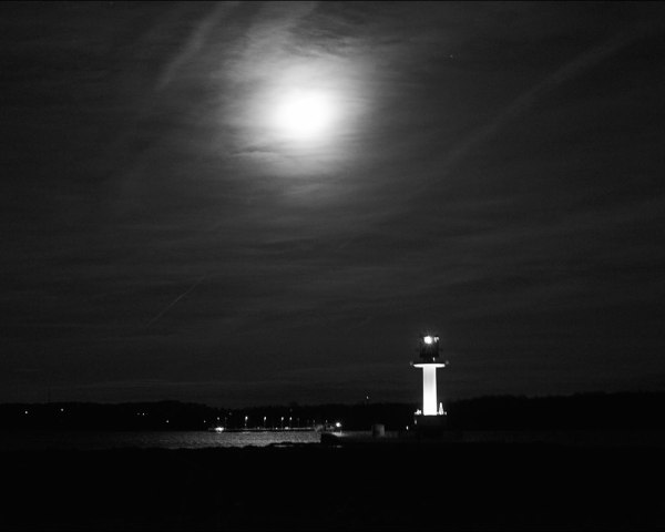 le phare de Friedrichsort sous la lune