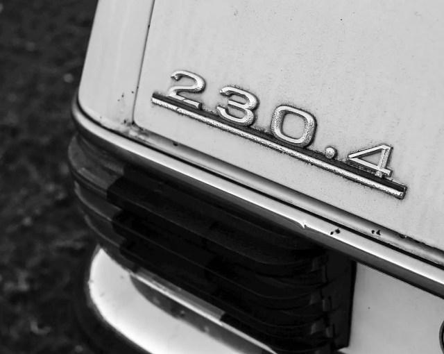 Mercedes W114 230.4