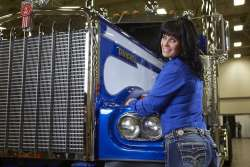 Women are Safer Truck Drivers Than Men, Study Reports