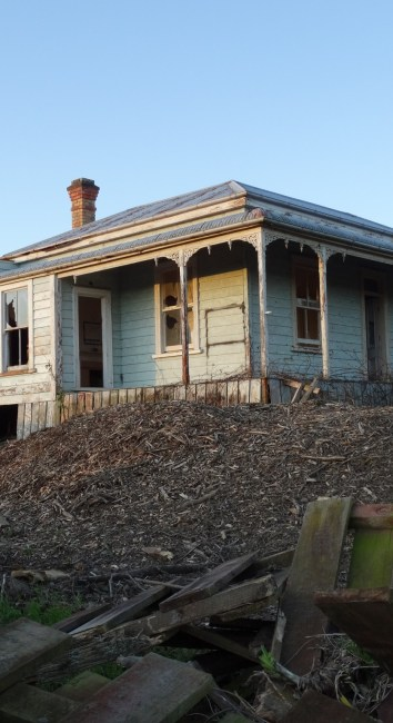 Abandoned house – Clevedon, Auckland