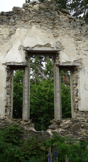 St Bathans School ruins return visit – Photo Gallery